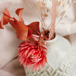 Porzellan Vase mit Trockenblumen S