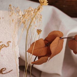 Fotohalter mit Trockenblumen